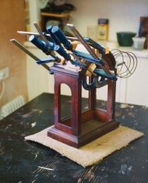 antique clock restorer